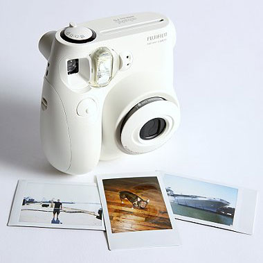 Fujifilm's Instax Camera Mini - The Answer to the Polaroid