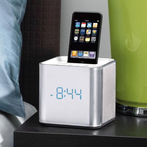 Brookstone iDesign Cube Clock Radio for iPod Review